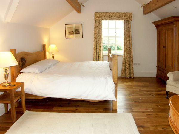 Master Bedroom Cae Caled | Romantic Self Catering | North Wales