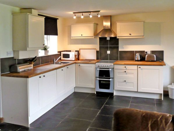 Modern White Farmhouse Kitchen | The Coach House Self Catering
